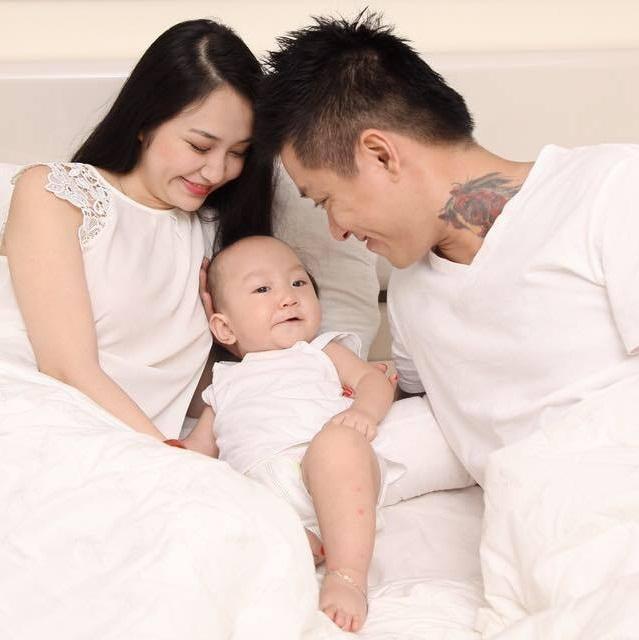 Vợ Tuấn Hưng vừa hạ sinh con gái nặng 3,18kg - Ảnh 2