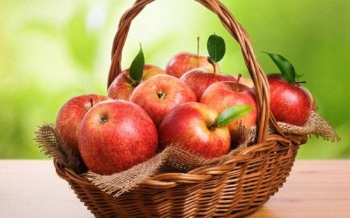 7 loại thực phẩm giúp giảm sưng húp mặt - Ảnh 1