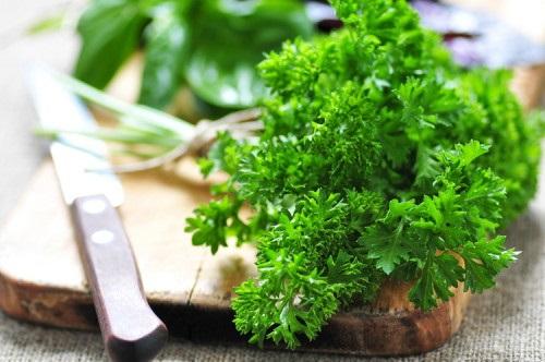 7 loại thực phẩm giúp giảm sưng húp mặt - Ảnh 4