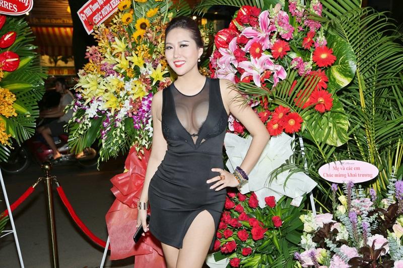 Quá trình thay đổi ngoại hình của Phi Thanh Vân sau 15 lần phẫu thuật