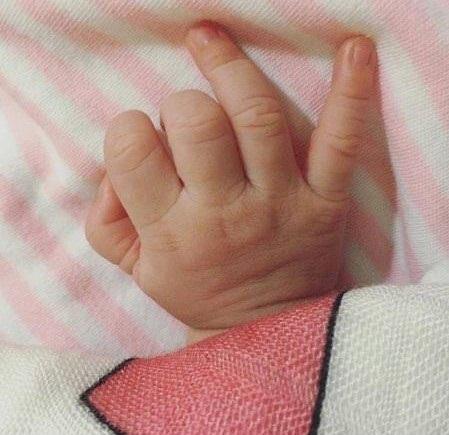 Vợ 9X Lam Trường sinh con gái ở Mỹ - Ảnh 1