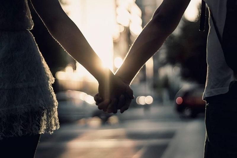 Vạn lần nói yêu đương cũng không bằng một lần nắm tay đến trọn đời - Ảnh 1