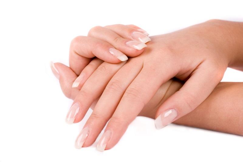 Mùa đông này phải biết cách dưỡng da tay bằng dầu Olive - Ảnh 2