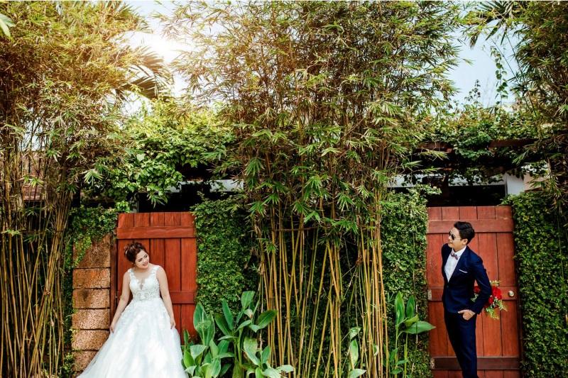 Vừa lãnh 250 triệu đồng, 'Hot boy trà sữa' dẫn 'vợ mập' ra Đà Nẵng chụp ảnh cưới hoành tráng thế này - Ảnh 9