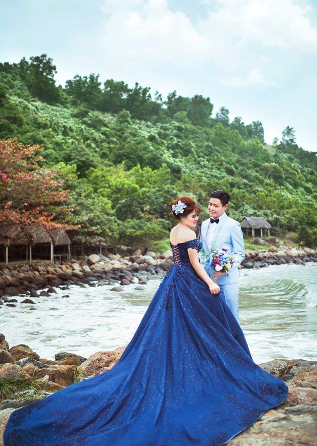 Vừa lãnh 250 triệu đồng, 'Hot boy trà sữa' dẫn 'vợ mập' ra Đà Nẵng chụp ảnh cưới hoành tráng thế này - Ảnh 11