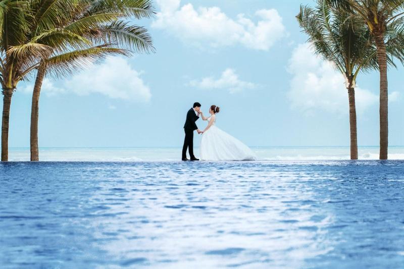 Vừa lãnh 250 triệu đồng, 'Hot boy trà sữa' dẫn 'vợ mập' ra Đà Nẵng chụp ảnh cưới hoành tráng thế này - Ảnh 12