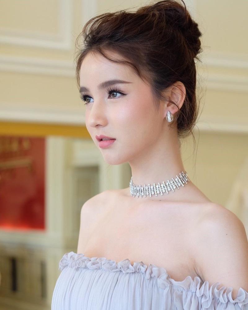 Nhan sắc 'tiên nữ'  của đối thủ Hương Giang Idol tại Hoa hậu chuyển giới - Ảnh 2