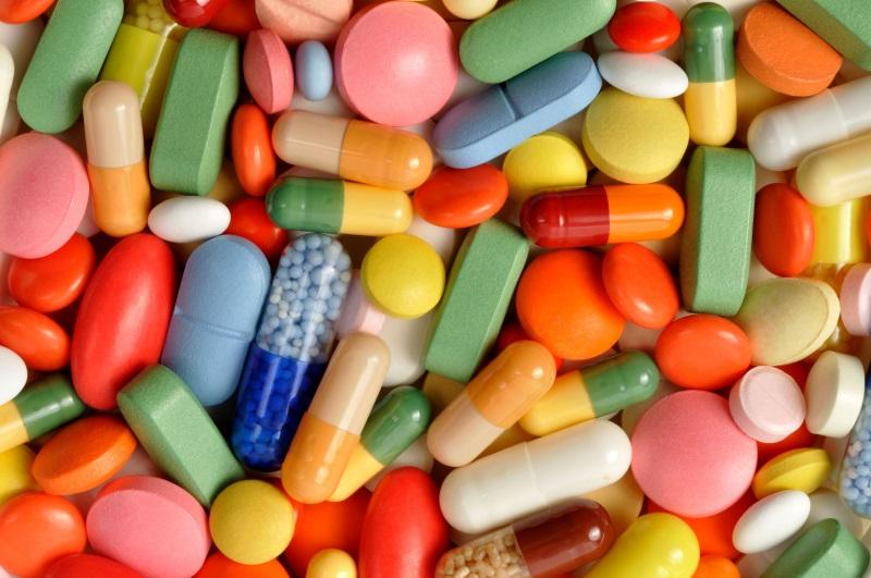 Cẩn thận khi dùng viên uống vitamin dưỡng da - Ảnh 2