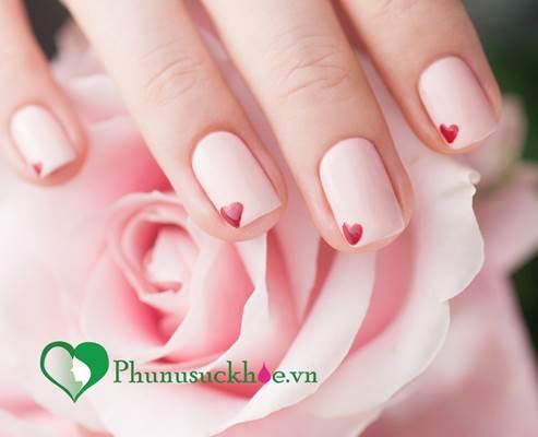 Mẹo tẩy rửa giúp móng tay luôn khỏe đẹp dù được sơn màu, tạo kiểu liên tục - Ảnh 1