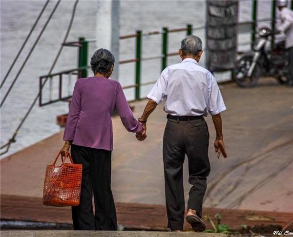 Vạn lần nói yêu đương cũng không bằng một lần nắm tay đến trọn đời - Ảnh 2