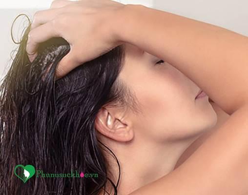 Hãy làm ngay những điều này nếu bạn muốn tóc ngừng gãy rụng - Ảnh 2