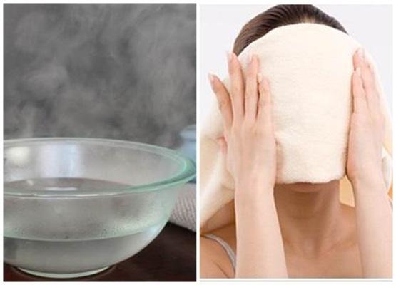 Đắp khăn ẩm chăm sóc da mặt sau khi bị dị ứng hiệu quả