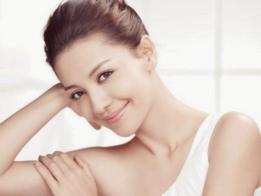 Chăm sóc da đẹp cho phụ nữ tuổi 40 với chế độ ăn uống dinh dưỡng, khoa học