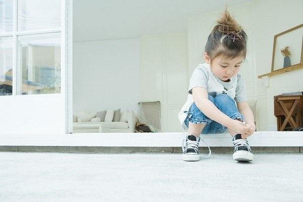 Cách chọn giày dép phù hợp cho trẻ