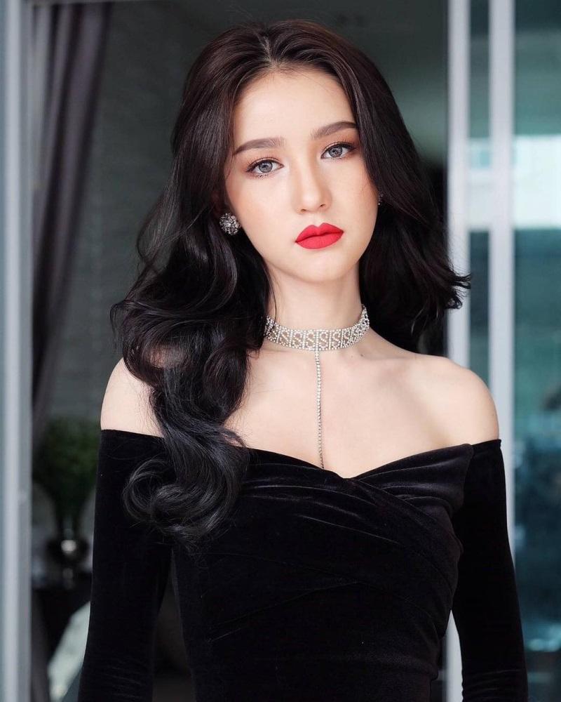 Nhan sắc 'tiên nữ'  của đối thủ Hương Giang Idol tại Hoa hậu chuyển giới - Ảnh 3