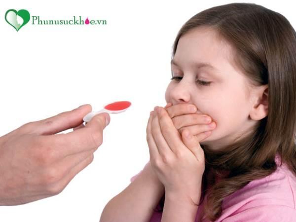 Mách mẹ bí quyết để bé uống thuốc 'dễ như ăn kẹo' - Ảnh 1
