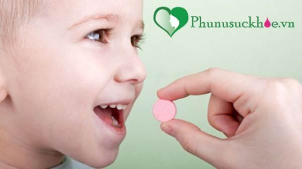 Cha mẹ đừng mắc những sai lầm này khi bổ sung vitamin cho trẻ - Ảnh 2