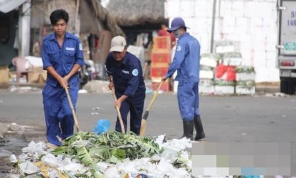 Từ ngày 1-2, vứt rác bừa bãi nơi công cộng bị phạt tới 5 triệu đồng - Ảnh 1