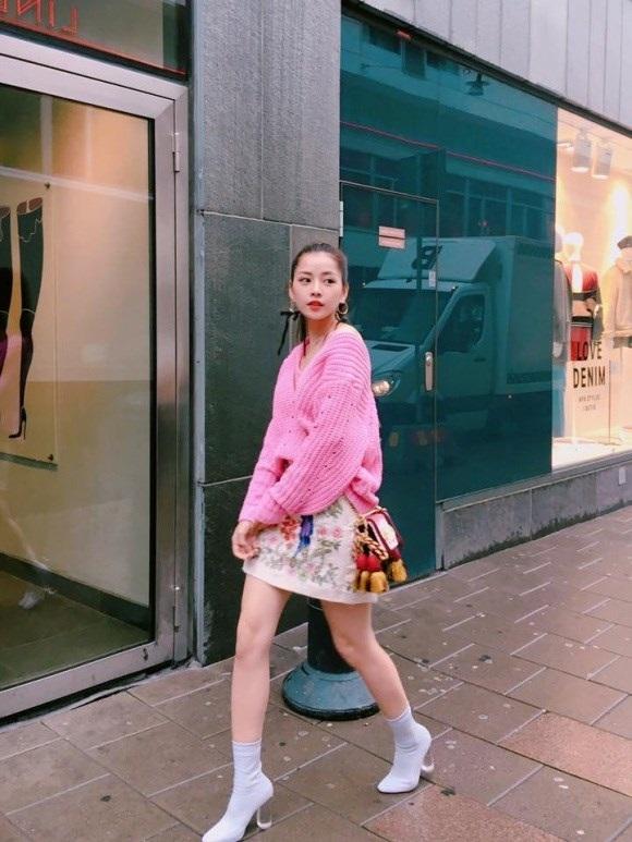 Học Kỳ Duyên, Chi Pu cách diện váy ngắn ngày đông vừa  điệu vừa ấm  - Ảnh 5