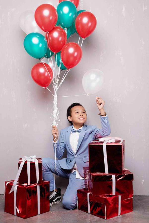 Mới được Phi Nhung nhận nuôi 3 tháng, Hồ Văn Cường đã trở thành cậu bé như thế này - Ảnh 10