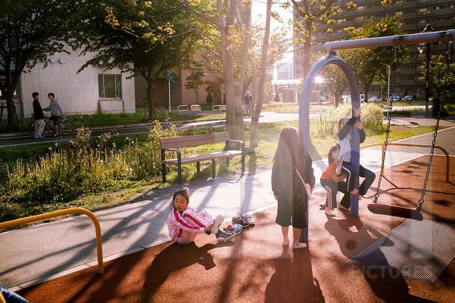 4 nguyên tắc mọi mẹ Nhật đều áp dụng dạy con ở nơi công cộng - Ảnh 1