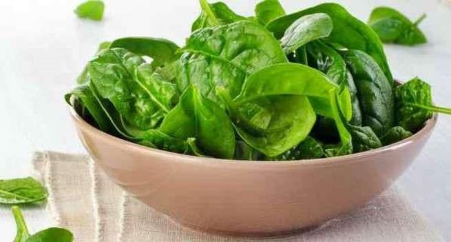 7 loại thực phẩm ngăn tóc bạc sớm và rụng nên ăn ngay hôm nay - Ảnh 2