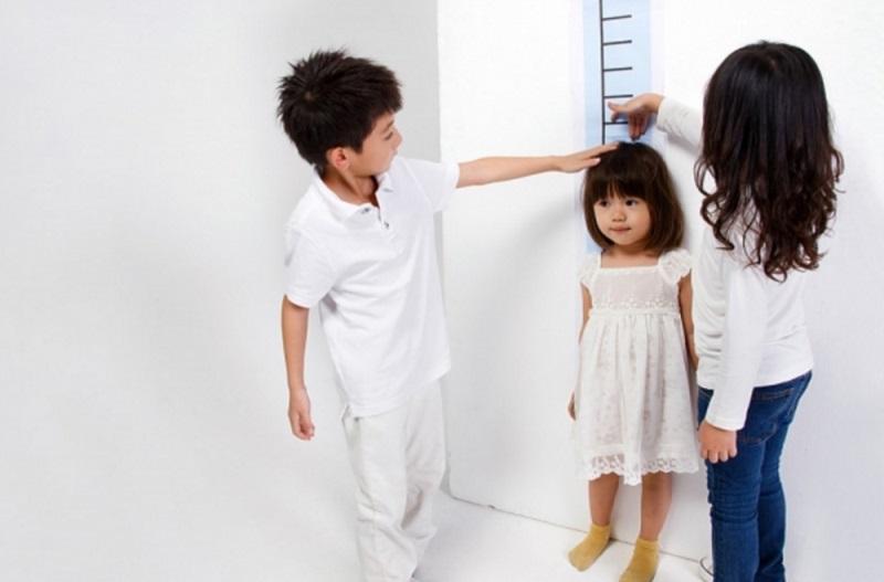 7 tuyệt chiêu của mẹ giúp tăng chiều cao hiệu quả cho bé - Ảnh 1