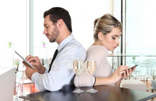 """8 thói quen """"xấu"""" ảnh hưởng đến cuộc sống hôn nhân - Ảnh 1"""