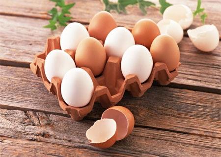 Lòng đỏ trứng gà dưỡng tóc chắc khỏe, bóng mượt không ngờ