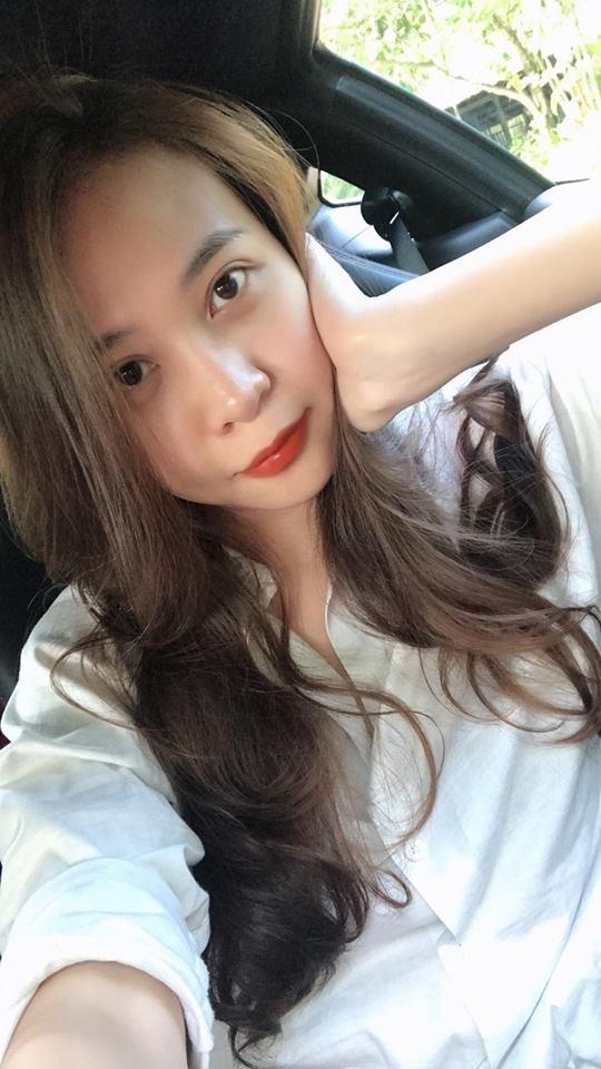 Bạn gái Cường Đô la - Đàm Thu Trang khi để mặt mộc, diện bikini