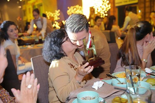 Những lần tổ chức sinh nhật hoành tráng của Đàm Vĩnh Hưng