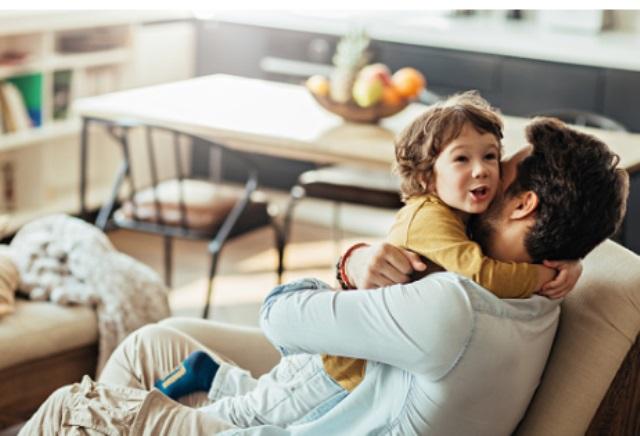 Đàn ông có nguy cơ giảm tuổi thọ nếu có con trước tuổi 25 - Ảnh 1