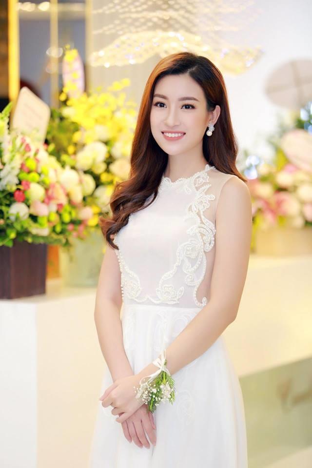 Giảm 5 – 6 kg vì luyện tập và 'Cõng điện lên bản' trước thềm Miss World, Mỹ Linh vẫn xinh đẹp đến nhường này - Ảnh 6