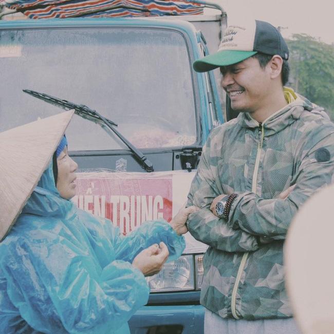 Hành động đẹp của sao Việt khiến fan xúc động - Ảnh 2