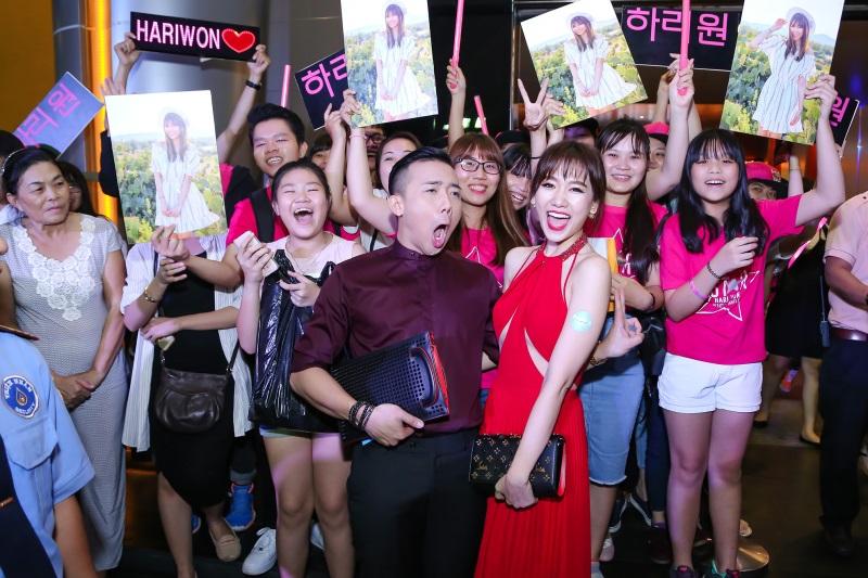 Hari Won diện nguyên set đồ hiệu đắt đỏ dự sự kiện cùng Trấn Thành - Ảnh 4