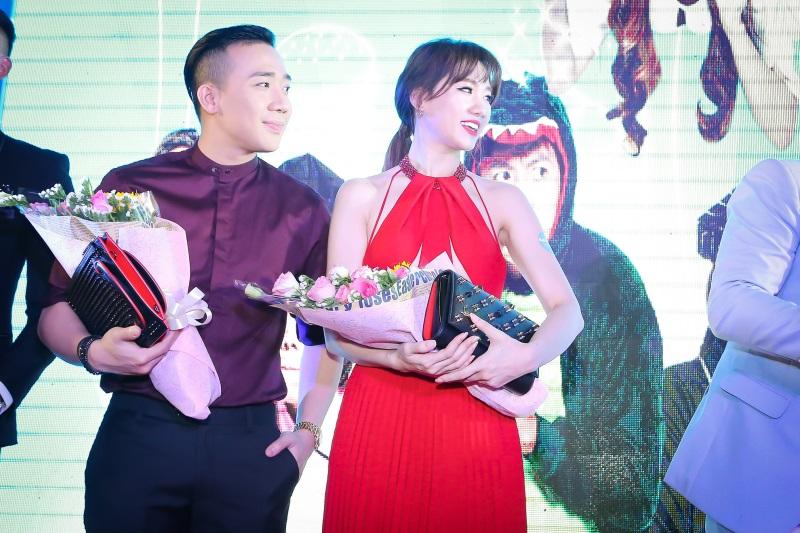 Hari Won diện nguyên set đồ hiệu đắt đỏ dự sự kiện cùng Trấn Thành - Ảnh 13