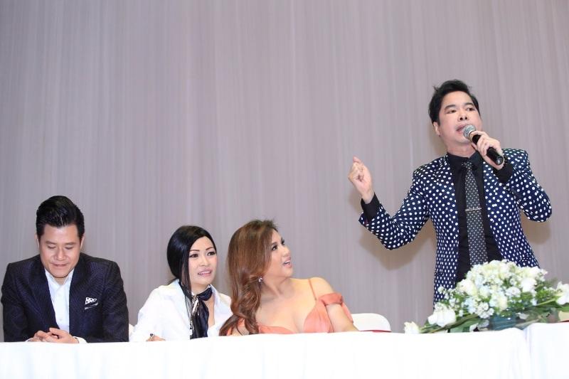 Minh Tuyết hở bạo, tình tứ bên Quang Dũng ra mắt gameshow 'Ai sẽ thành sao' - Ảnh 10