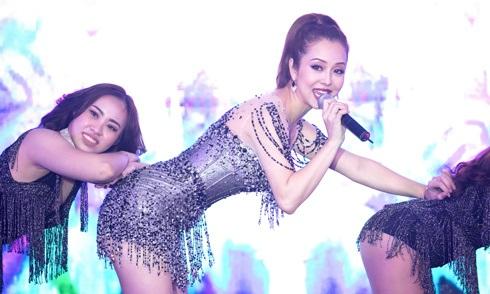 Bất ngờ trước khả năng vũ đạo điêu luyện và giọng hát tuyệt vời của Jennifer Phạm - Ảnh 1
