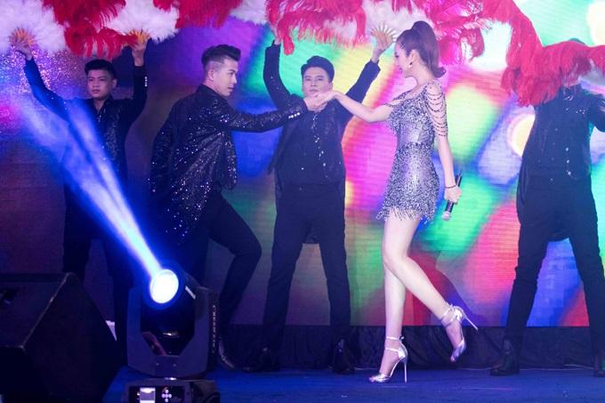 Bất ngờ trước khả năng vũ đạo điêu luyện và giọng hát tuyệt vời của Jennifer Phạm - Ảnh 3