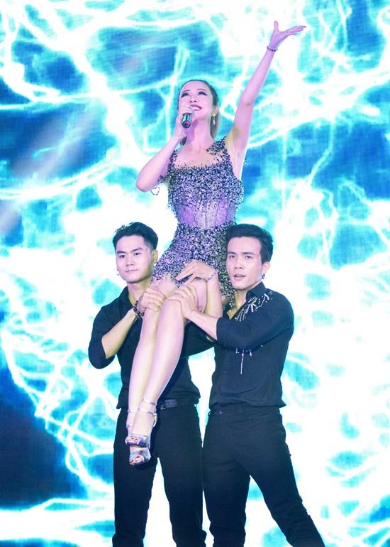 Bất ngờ trước khả năng vũ đạo điêu luyện và giọng hát tuyệt vời của Jennifer Phạm - Ảnh 6