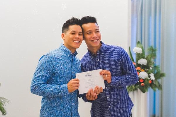 John Huy Trần kết hôn với bạn trai sau 8 năm yêu nhau - Ảnh 3