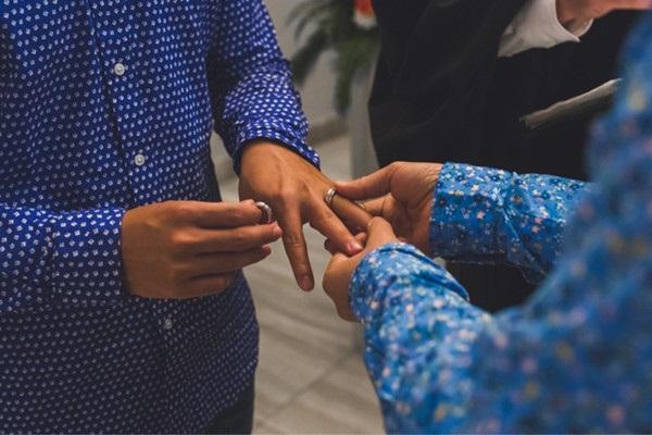 John Huy Trần kết hôn với bạn trai sau 8 năm yêu nhau - Ảnh 5