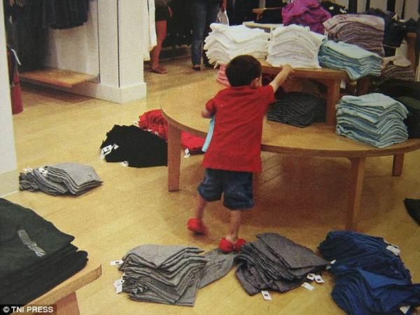 'Méo mặt' giải quyết hậu quả những pha nghịch ngợm có 1-0-2 của trẻ - Ảnh 15