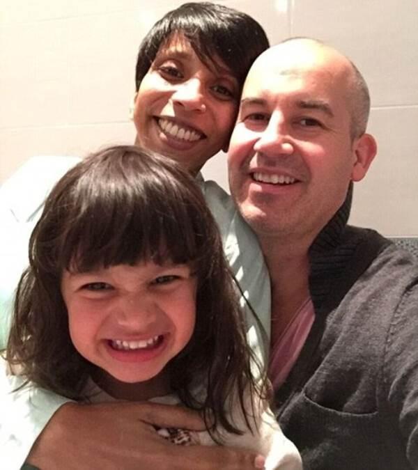 Xúc động câu chuyện bà mẹ mắc ung thư vú vẫn quyết sinh 2 con khỏe mạnh - Ảnh 2