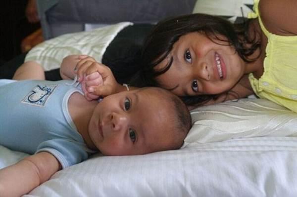 Xúc động câu chuyện bà mẹ mắc ung thư vú vẫn quyết sinh 2 con khỏe mạnh - Ảnh 10