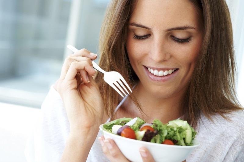 Phụ nữ ăn chay theo cách này chẳng trách vì sao bị vô sinh - Ảnh 1