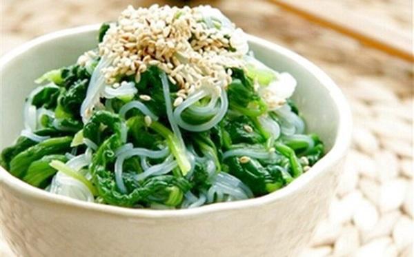 Món miến trộn với rau cải xanh thêm ít mè giảm cân hữu hiệu