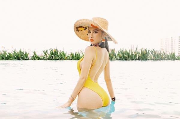Angela Phương Trinh gây xôn xao với hình ảnh mặc bikini khoe ba vòng gợi cảm - Ảnh 3