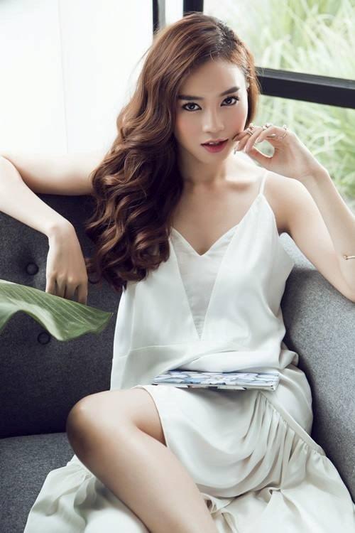 Bị tố chuyên hãm hại đồng nghiệp, Angela Phương Trinh bất ngờ tuyên bố đáp trả như một 'cao thủ'  - Ảnh 1