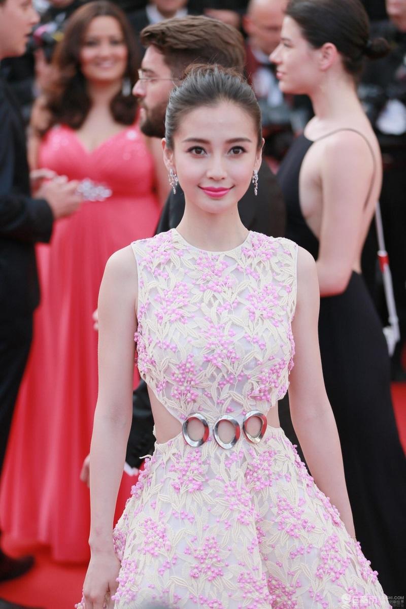 Angela Baby vượt mặt Phạm Băng Băng, xứng đáng là nữ hoàng thảm đỏ Cbiz 2017 - Ảnh 4